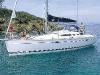 cruising-sailboat-teak-deck-70568